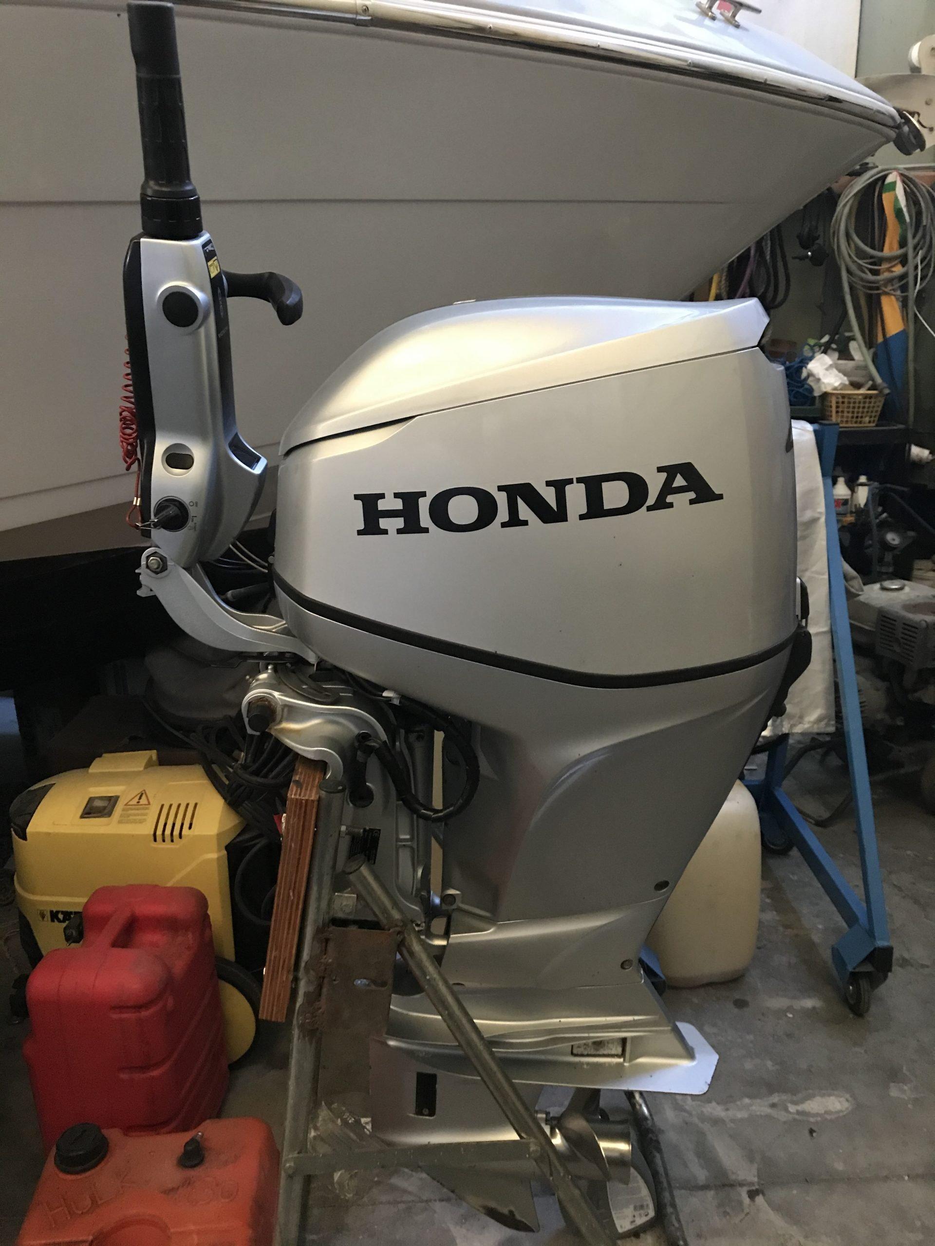 Honda 40 con barra